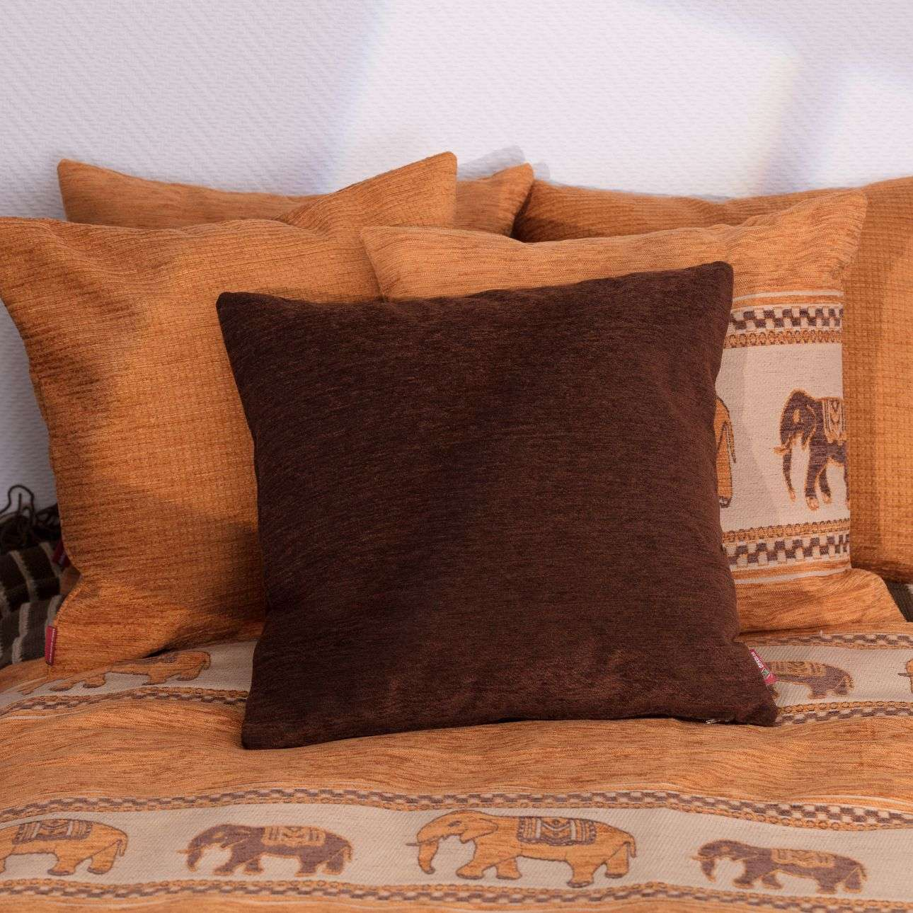 Kuddfodral standard 45 x 45 cm i kollektionen Chenille, Tyg: 702-18