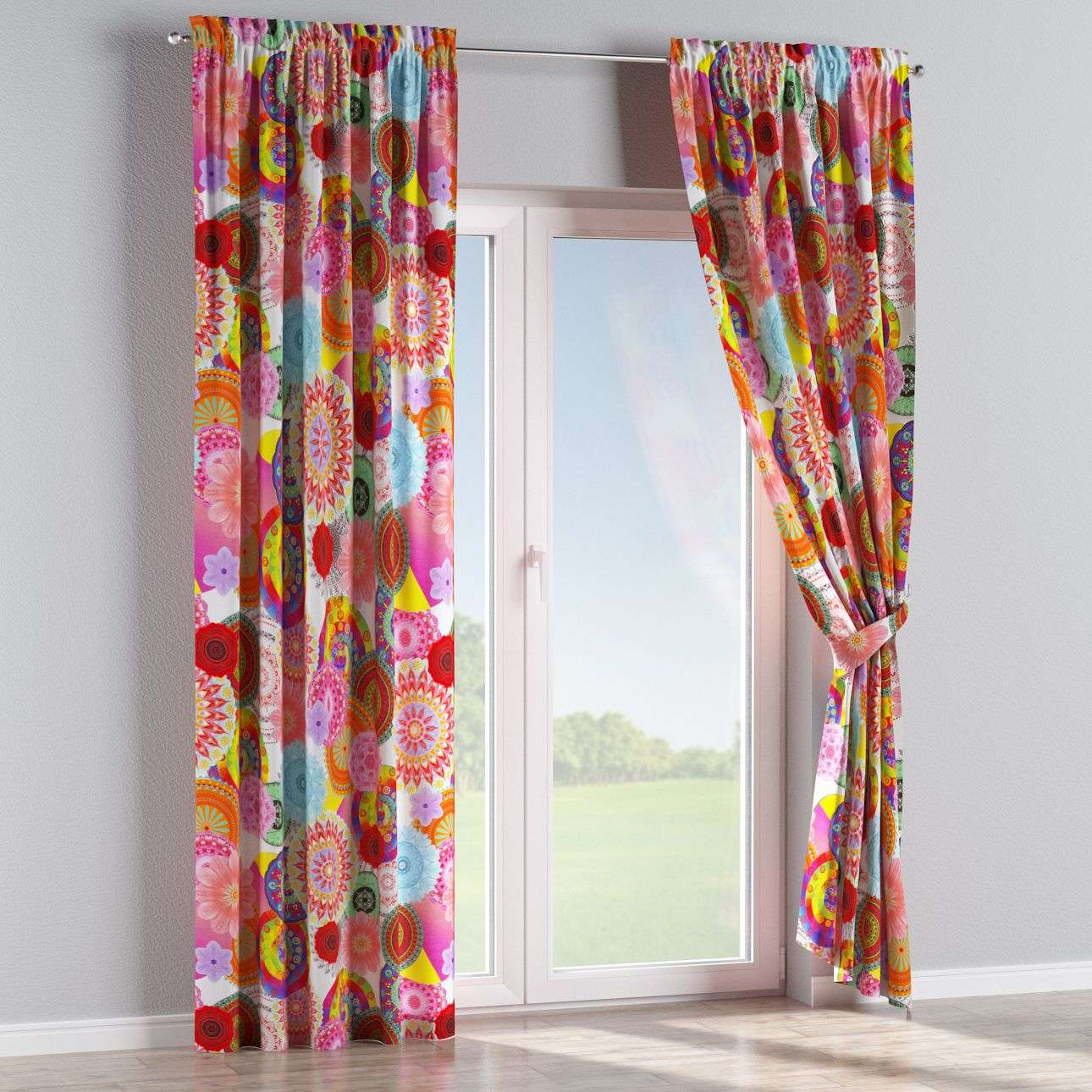 Slot and frill curtains 130 x 260 cm (51 x 102 inch) in collection Comic Book & Geo Prints, fabric: 135-22