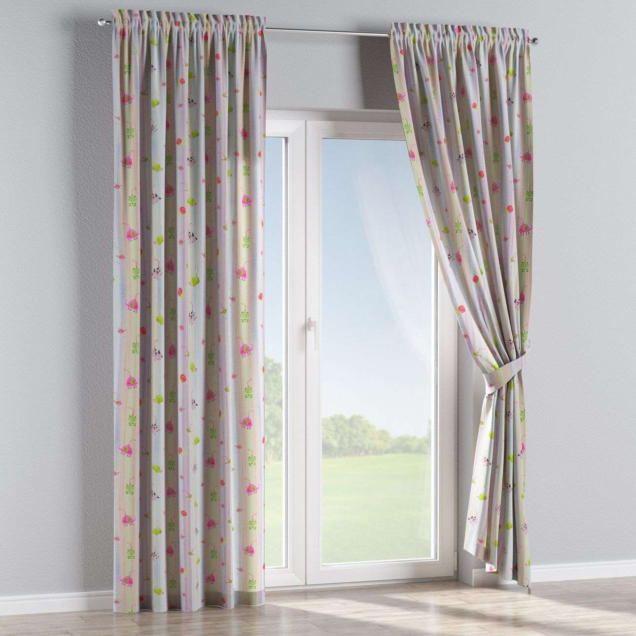 Slot and frill curtains in collection Apanona, fabric: 151-05