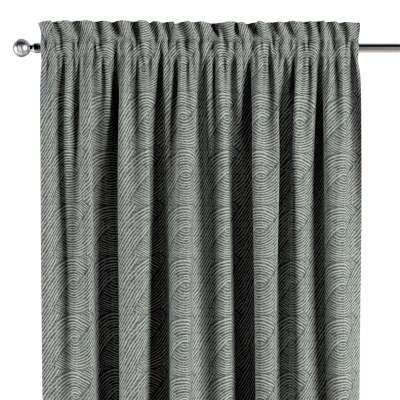 Slot and frill curtain