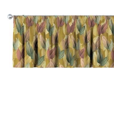 Kort gordijn 143-22 gekleurde bladeren op mosterdgele achtergrond Collectie Abigail