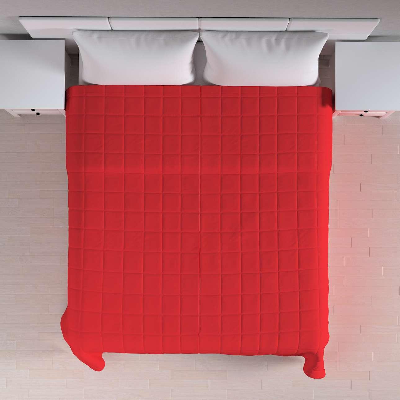 Prehoz prešívaný do štvorcov V kolekcii Loneta, tkanina: 133-43