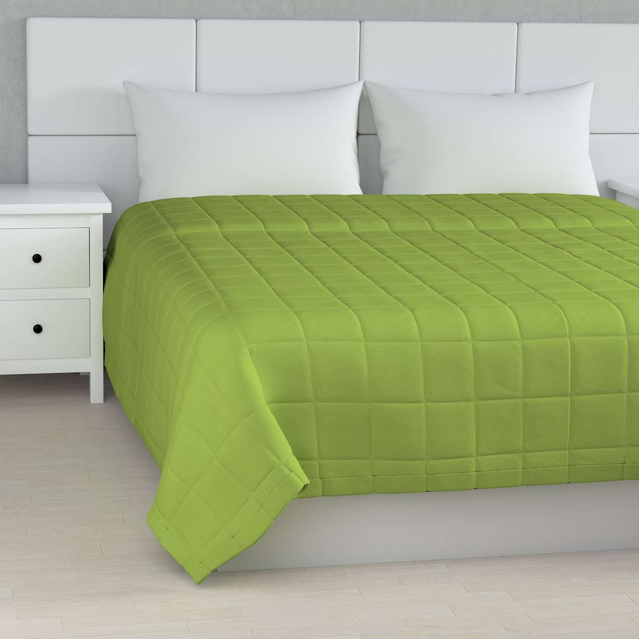 Quilted throw (check quilt pattern) 260 x 210 cm (102 x 83 inch) in collection Quadro, fabric: 136-37
