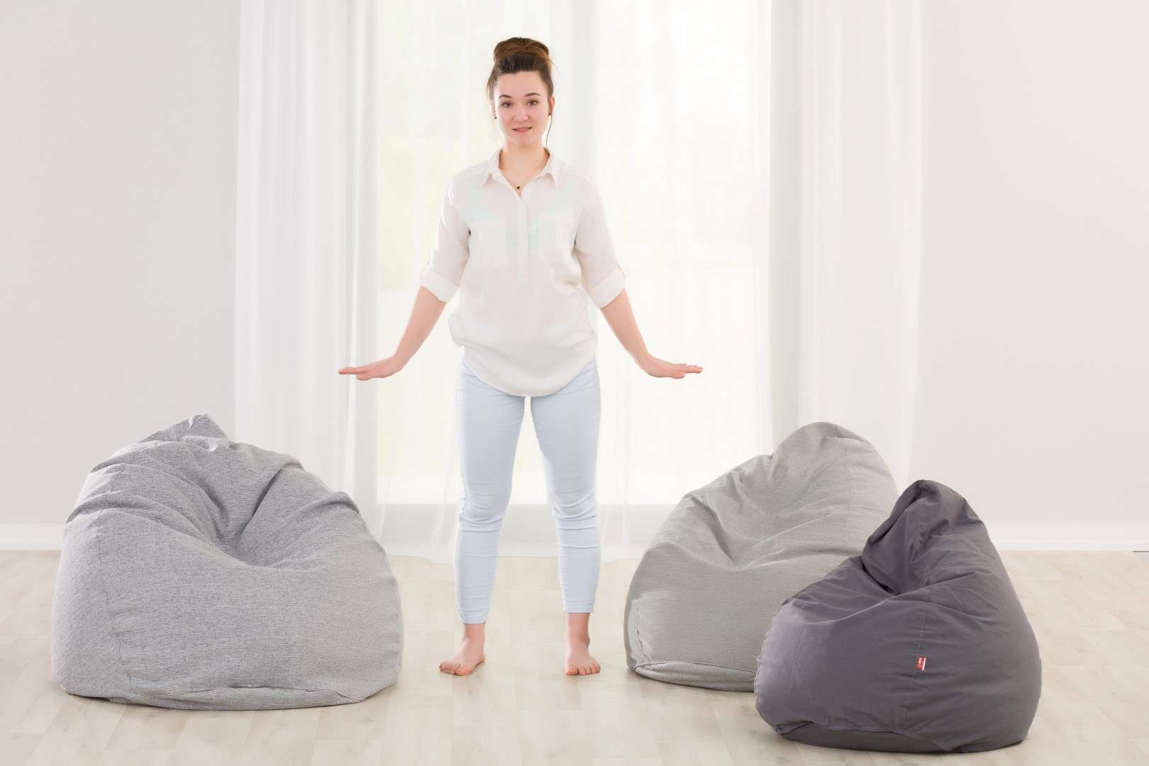 Beanbag Bowlie in collection Happiness, fabric: 133-37