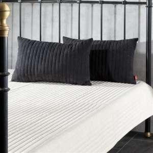 Schlafzimnmer Set Cream&Black Überwurf 190x240cm + 2 Kissen 60x40