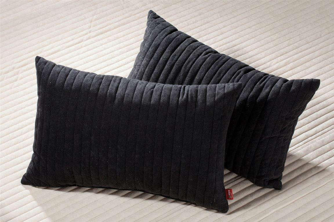 Komplet Cream&Black narzuta i poduszki narzuta 140x210cm + 2 poduszki 60x40cm