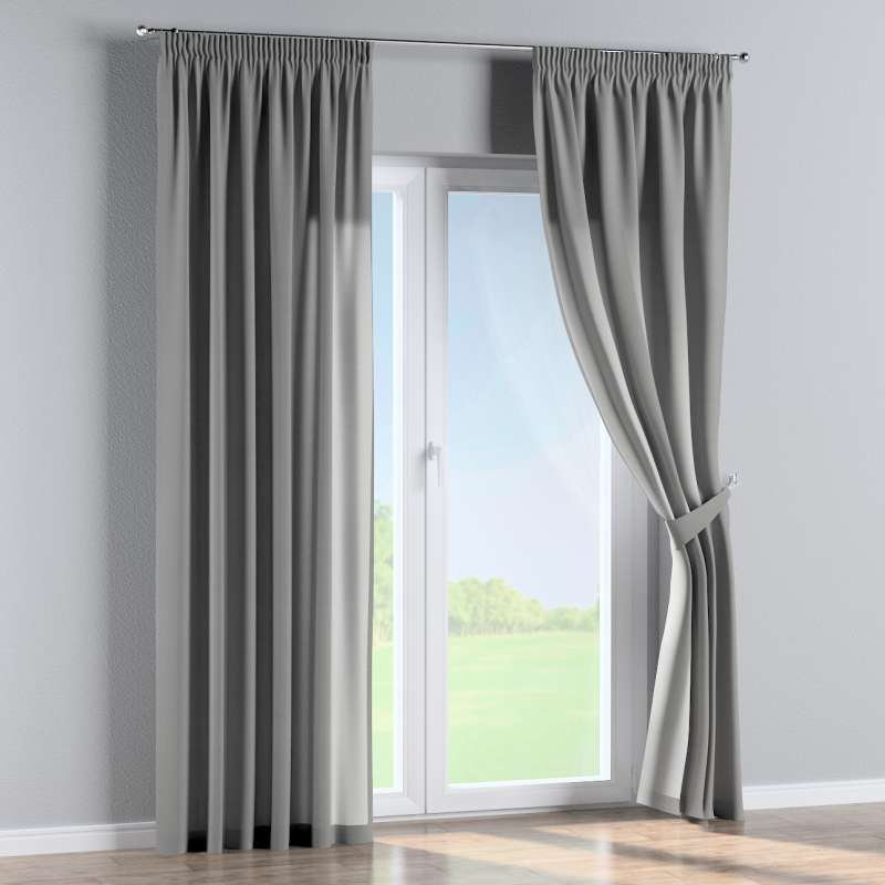 Pencil pleat curtain in collection Loneta , fabric: 133-24