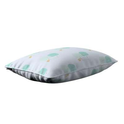 Gabi dekoratyvinės pagavėlės užvalkalas su specialia siūle 60x40cm 151-02 Pastelinės žalios šviesiame fone Kolekcija Little World