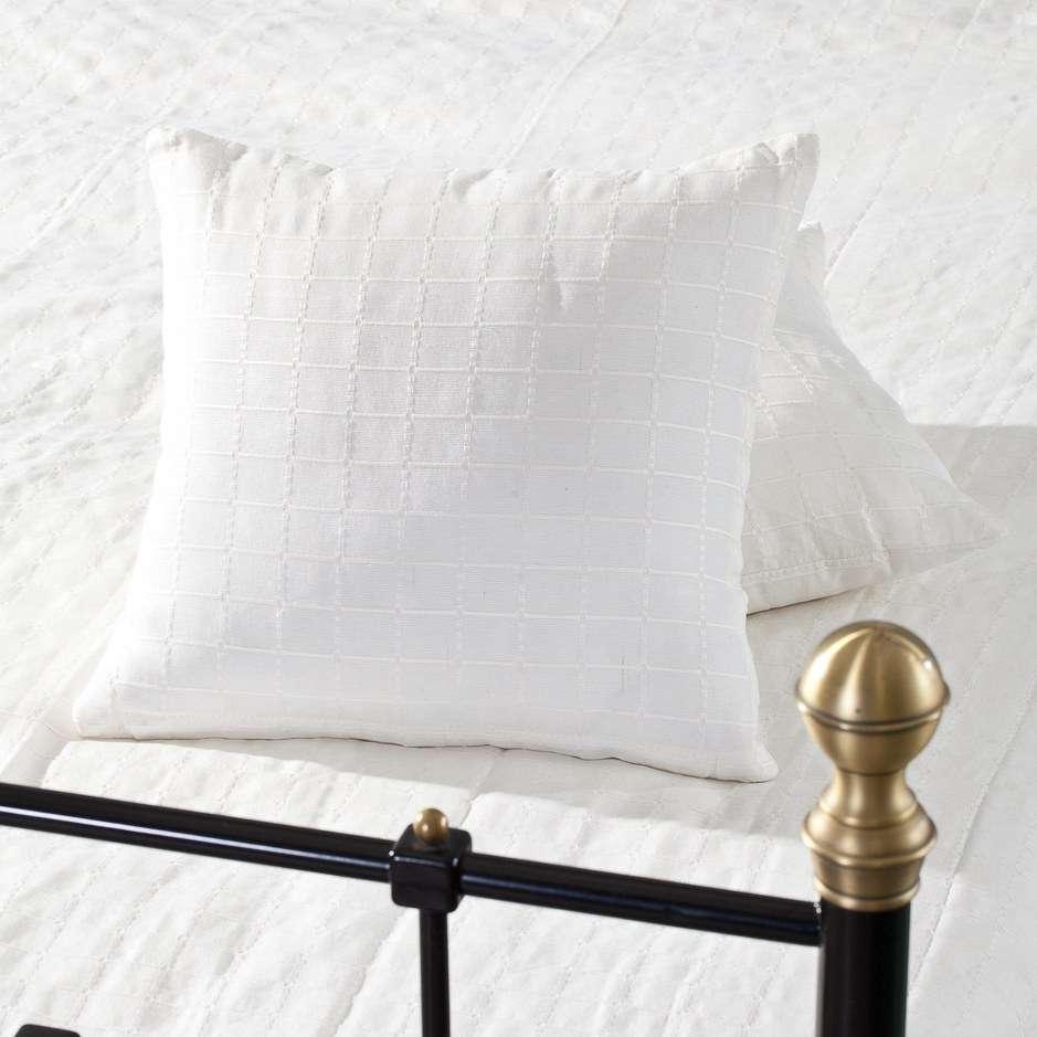 Lovatiesės komplektas Milena baltos spalvos 180x250cm lovatiesė + 2 pagalvėlių užvalkalai 180x250cm