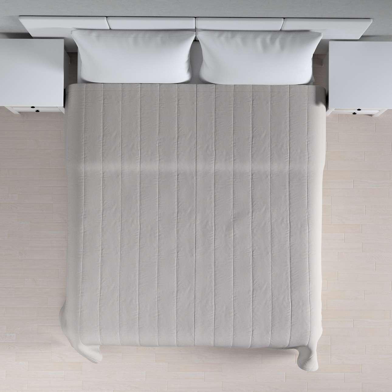 Sengetæppe quiltet<br/>10cm striber 120g/m 260 x 210 cm fra kollektionen Chenille, Stof: 702-23