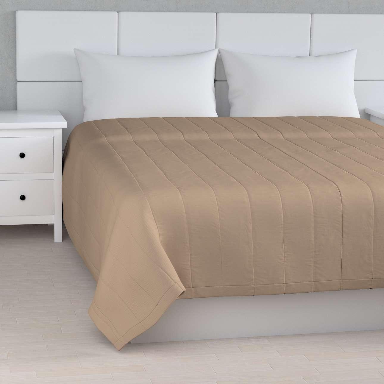 Sengetæppe quiltet<br/>10cm striber fra kollektionen Cotton Panama, Stof: 702-28