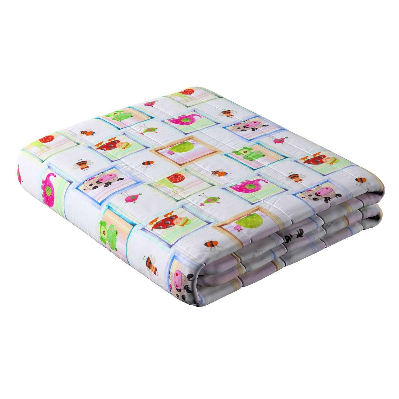 Narzuta pikowana w pasy w kolekcji Apanona do -50%, tkanina: 151-04