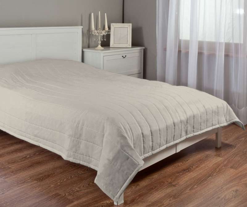 Stripe quilted throw in collection Etna, fabric: 702-39
