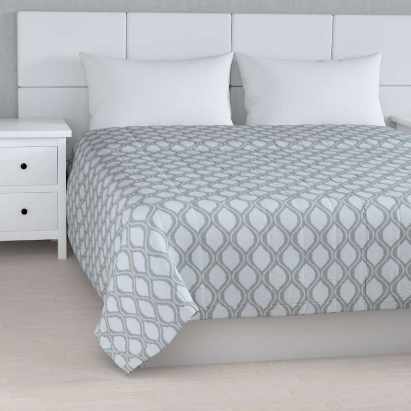 Stripe quilted throw in collection Damasco, fabric: 142-54