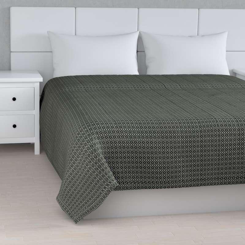 Sengeteppe quiltet<br/>10cm striper fra kolleksjonen Black & White, Stoffets bredde: 142-86