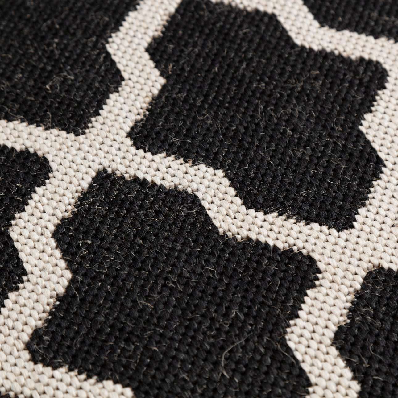 Dywan Cottage black/ wool 67x130cm