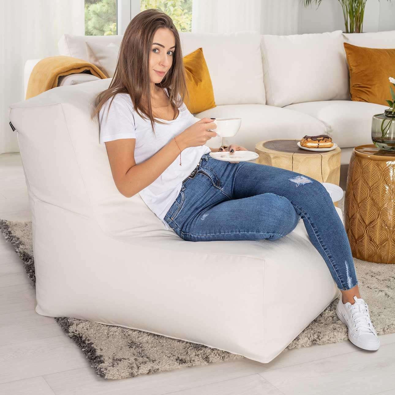 Dekoria Pufa- fotel jednokolorowy