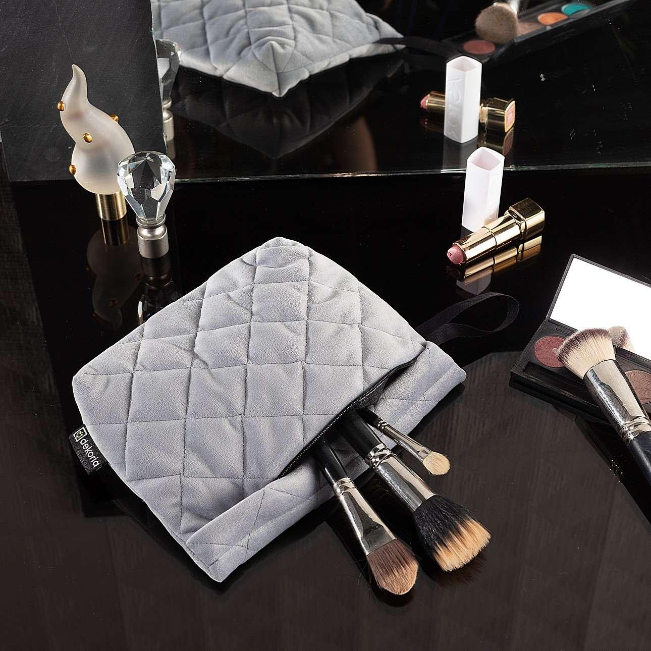 Kosmetyczka - etui Velvet w kolekcji Velvet, tkanina: 704-24