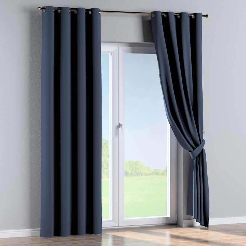 Mörkläggande gardin med öljetter 1 längd i kollektionen Blackout (mörkläggande), Tyg: 269-16