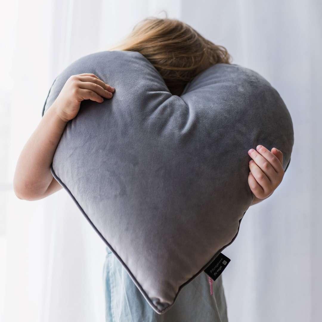 Poduszka Heart of Love w kolekcji Magic Collection, tkanina: 500-04
