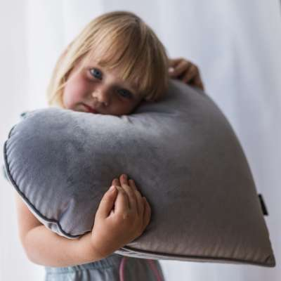 Heart of Love pillow in collection Happiness, fabric: 133-38