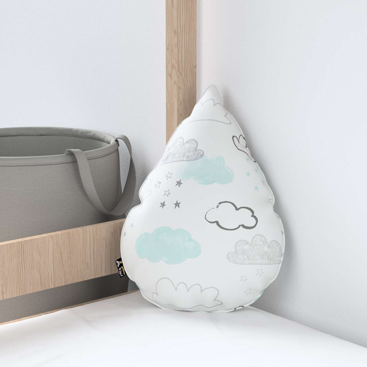 Sweet Drop pillow in collection Magic Collection, fabric: 500-14