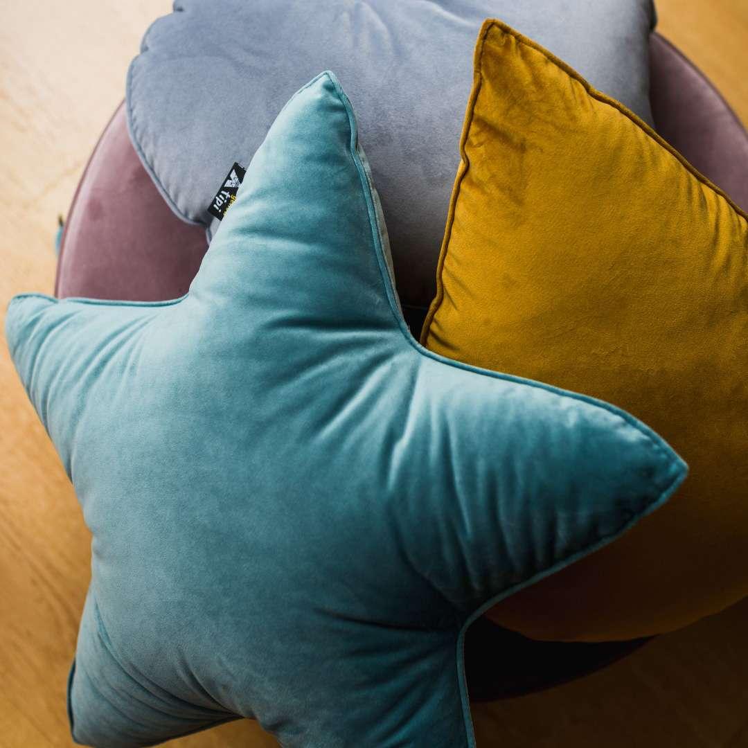 Poduszka Lucky Star w kolekcji Posh Velvet, tkanina: 704-24