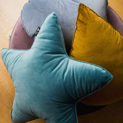 Lucky Star pillow in collection Happiness, fabric: 133-43