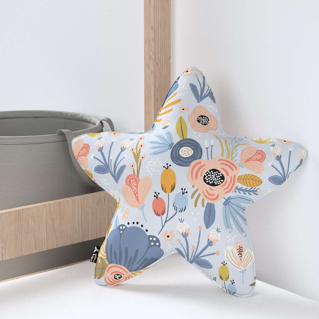 Lucky Star pillow in collection Magic Collection, fabric: 500-05
