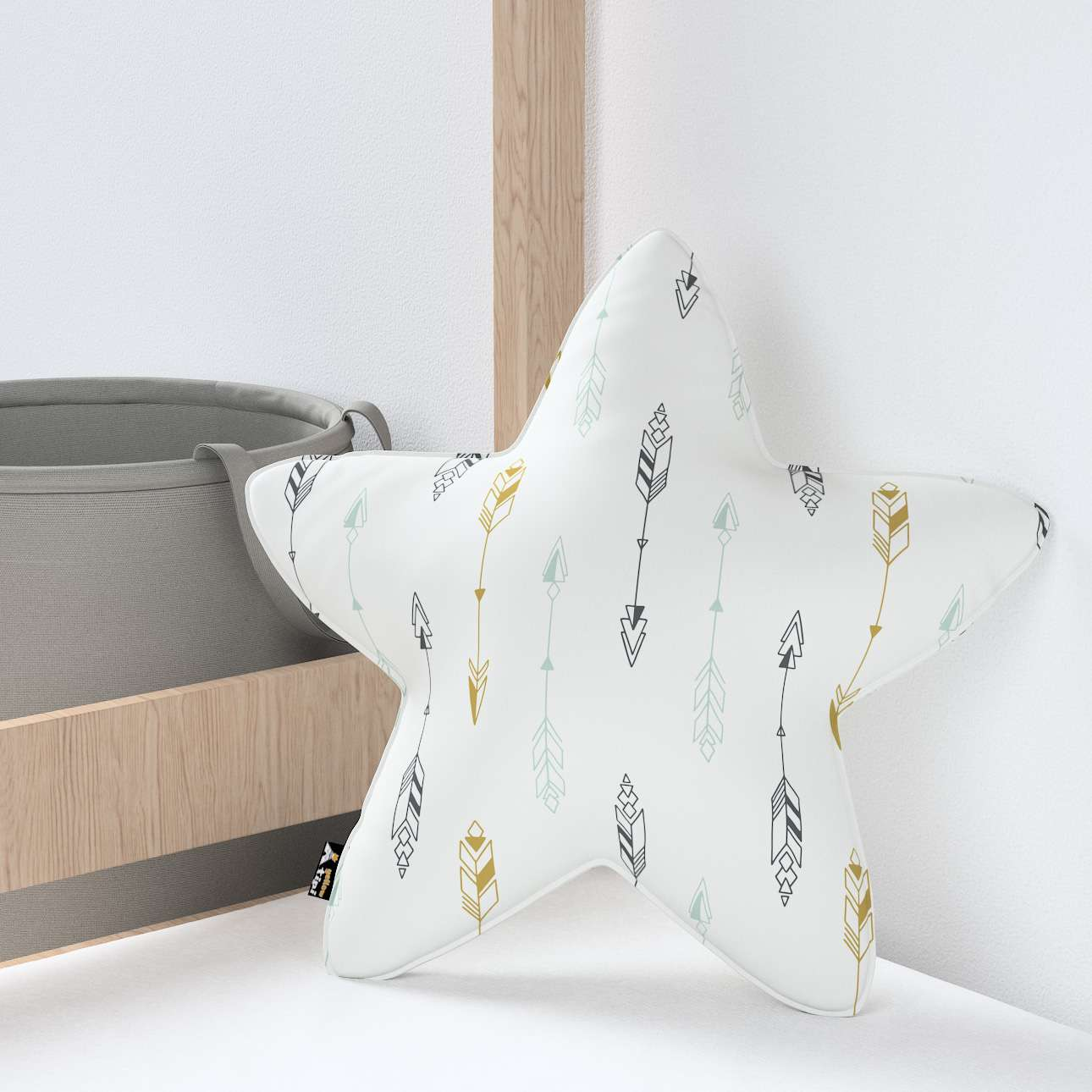 Lucky Star pillow in collection Magic Collection, fabric: 500-07