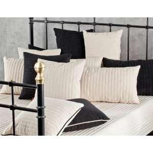 Cream & Black lovatiesės ir pagalvėlių komplektas Lovatiesė 140x210cm + 2 pagalvėlės 60x40cm