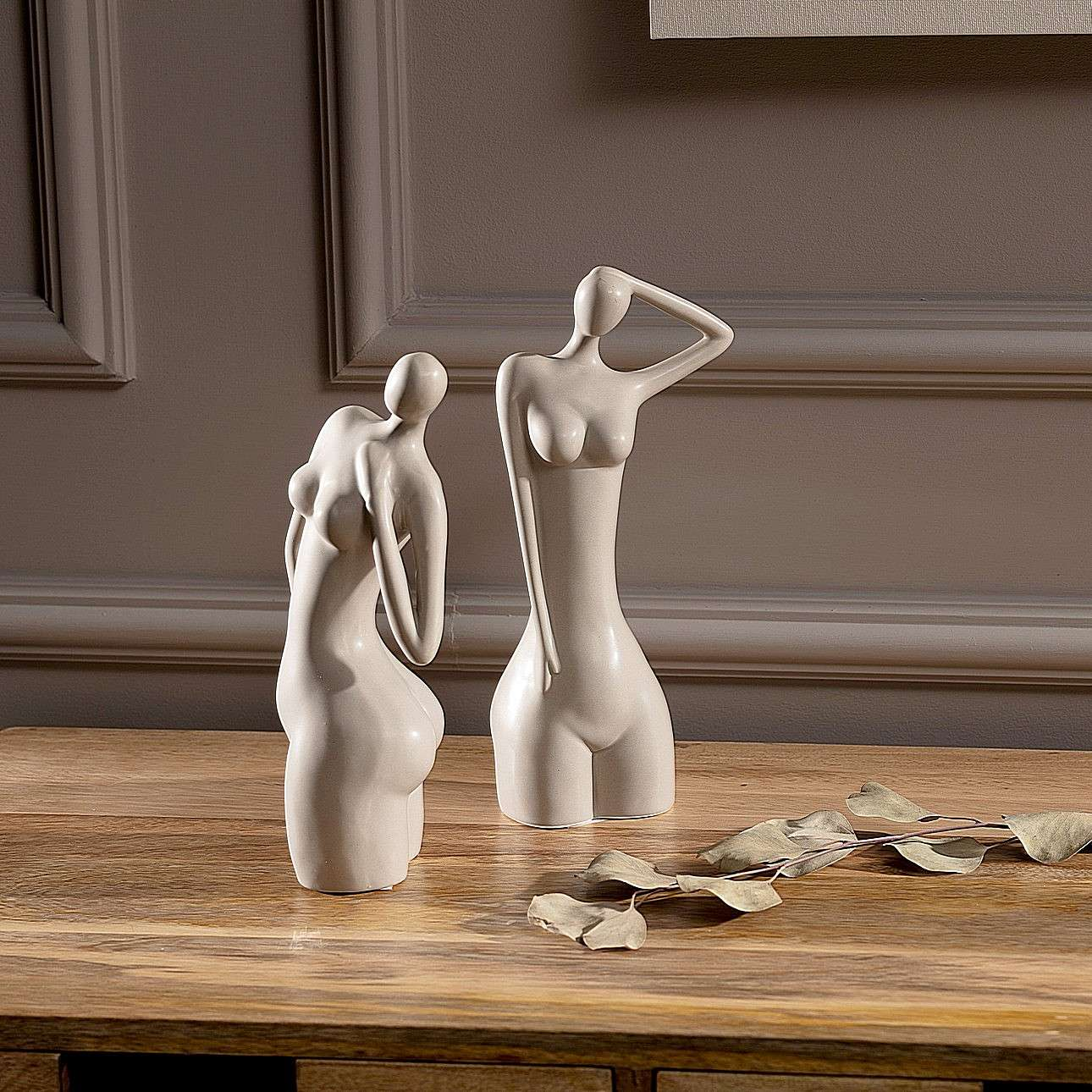 Figurka Woman I 23cm