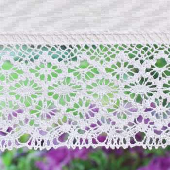 Padva roman blind with lace detail in collection Loneta , fabric: 133-02