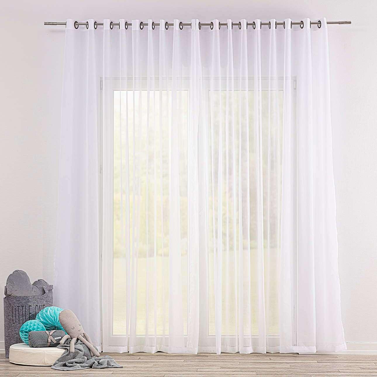 Voálová záclona s průchodkami v kolekci Soft Veil, látka: 900-00