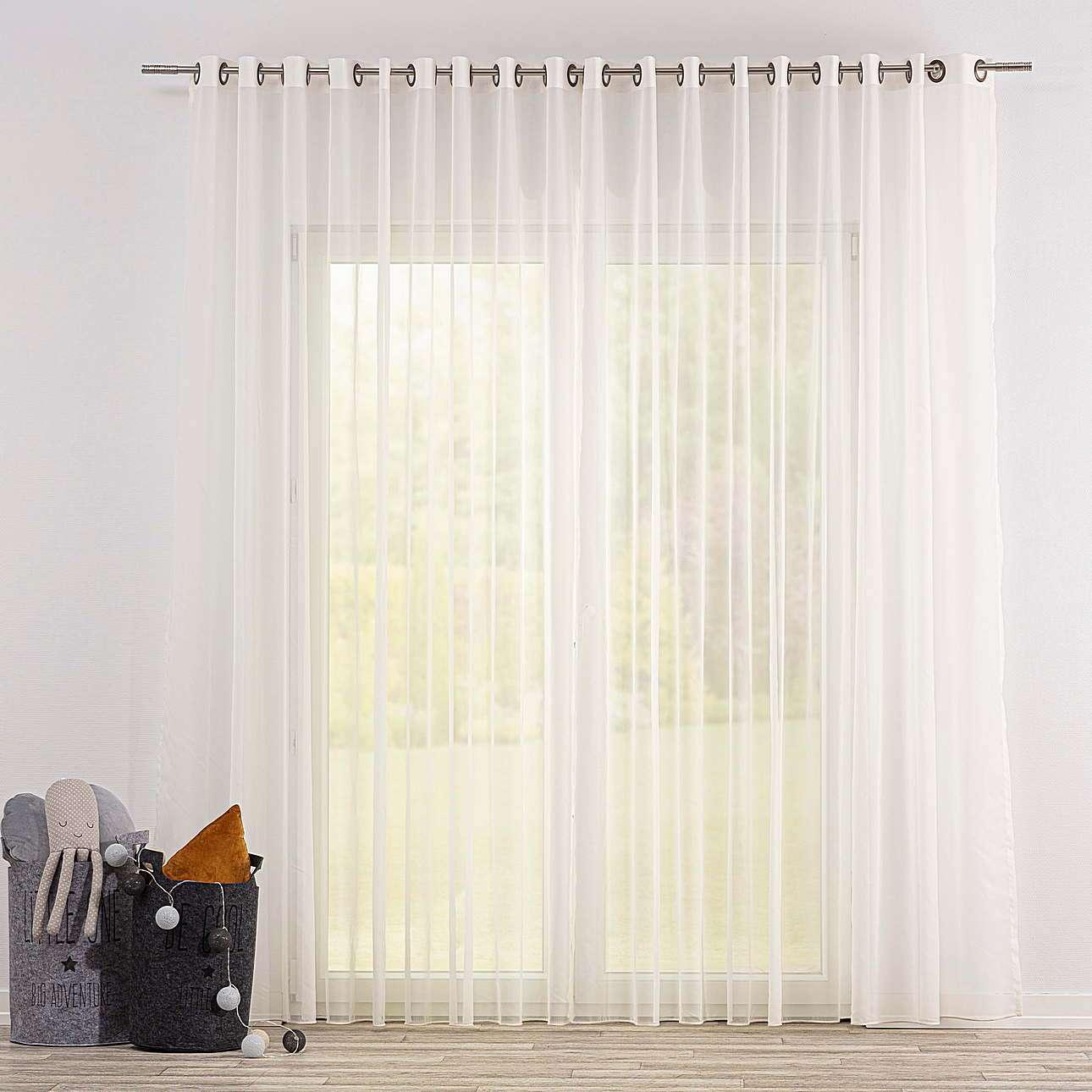 Voálová záclona s průchodkami v kolekci Soft Veil, látka: 901-01