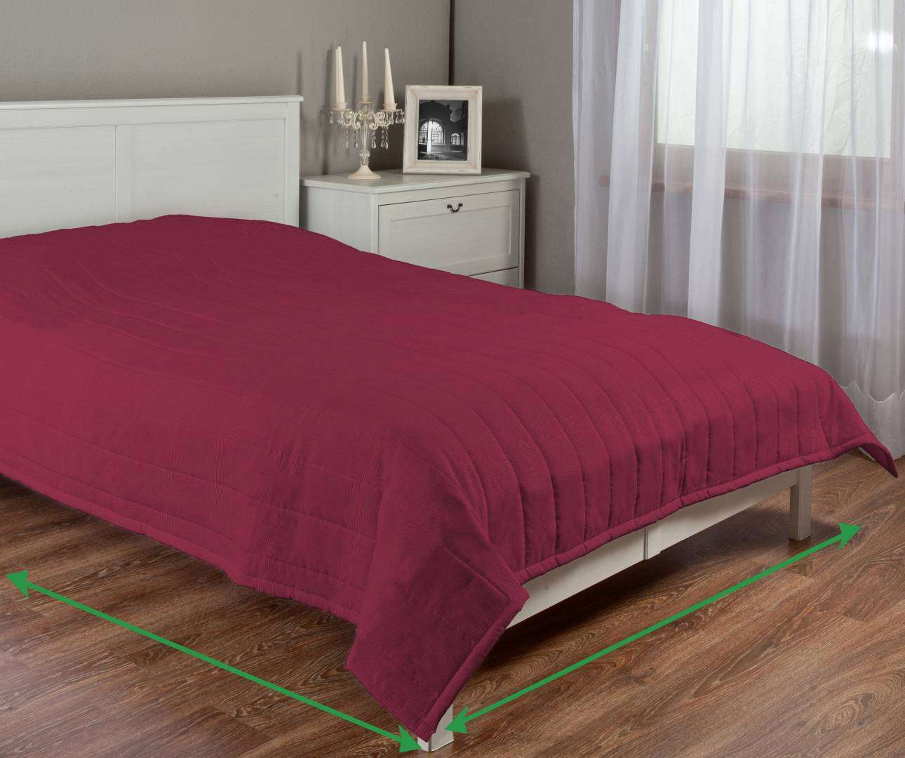 Quilted throw (vertical quilt pattern) in collection Manchester, fabric: 100-81