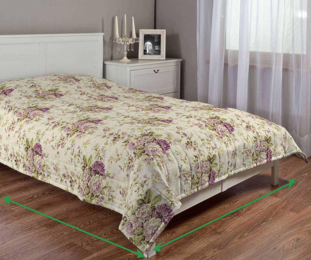 Quilted throw (vertical quilt pattern) in collection Londres, fabric: 122-08