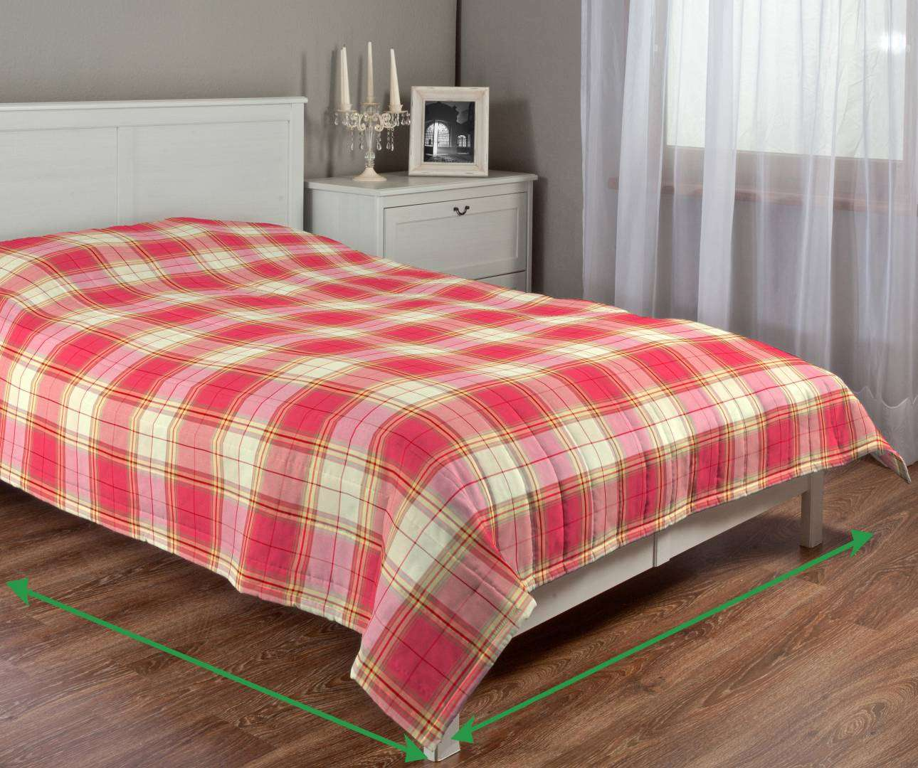 Quilted throw (vertical quilt pattern) in collection Bristol, fabric: 125-25