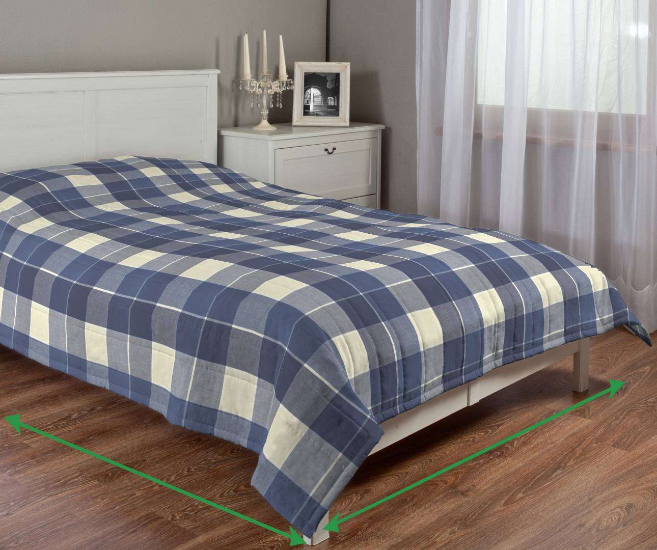 Quilted throw (vertical quilt pattern) in collection Cardiff, fabric: 136-24