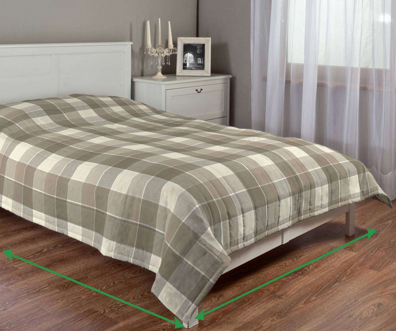 Quilted throw (vertical quilt pattern) in collection Cardiff, fabric: 136-28