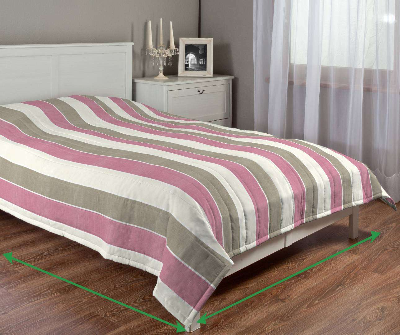 Quilted throw (vertical quilt pattern) in collection Cardiff, fabric: 136-32