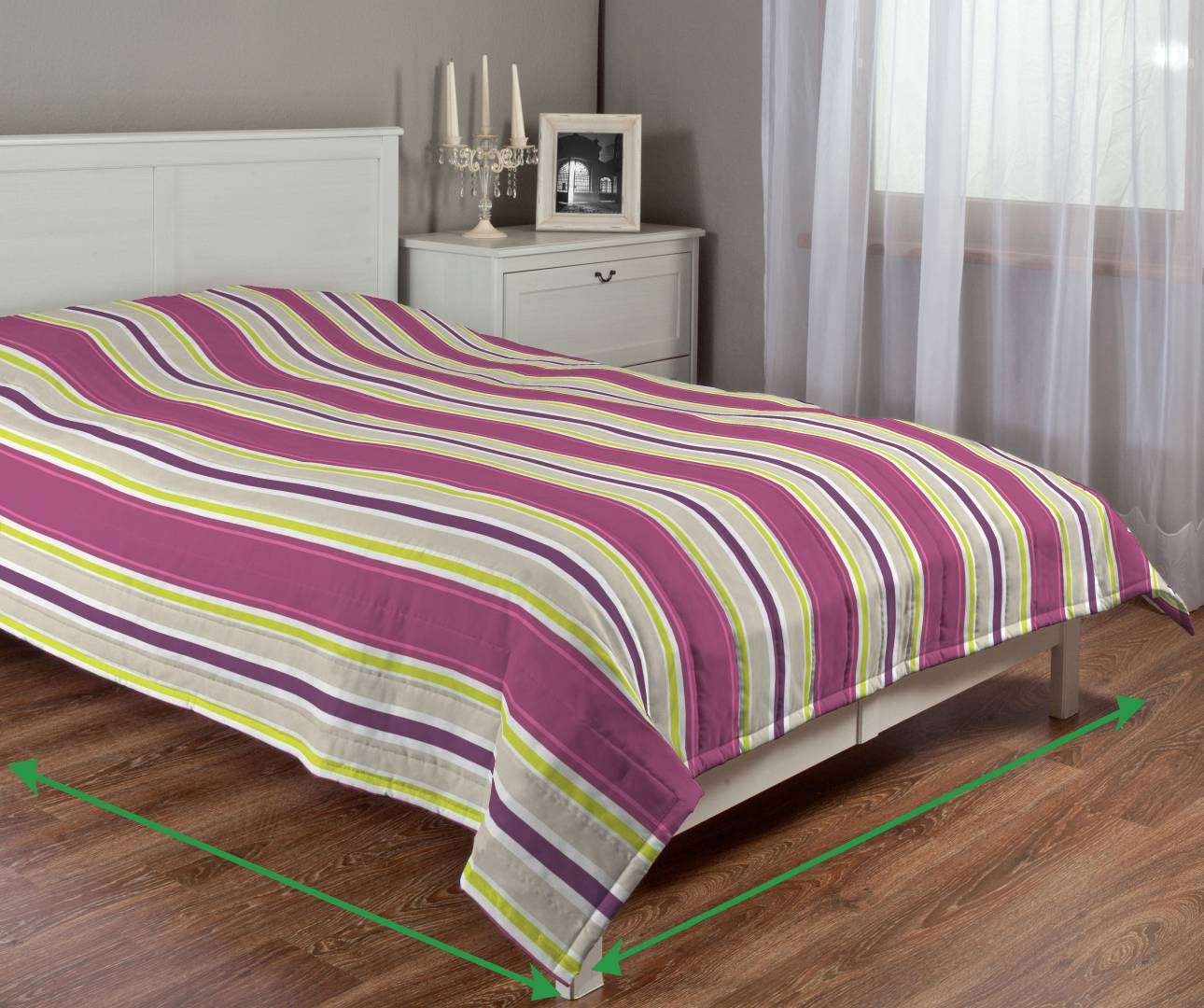 Quilted throw (vertical quilt pattern) in collection Fleur , fabric: 137-22