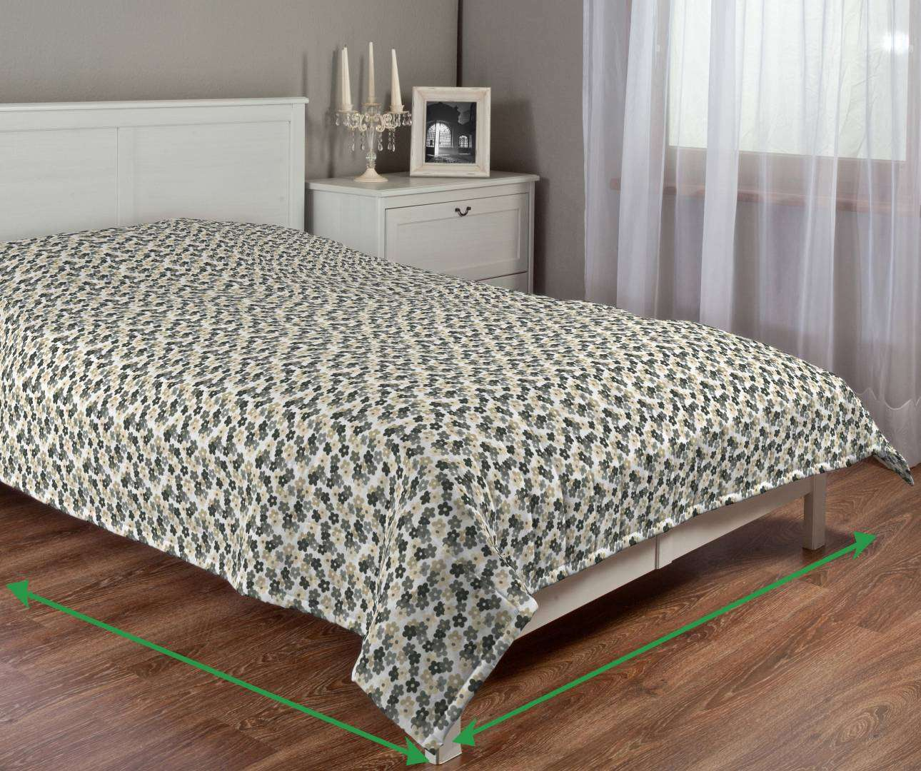 Quilted throw (vertical quilt pattern) in collection Fleur , fabric: 137-57