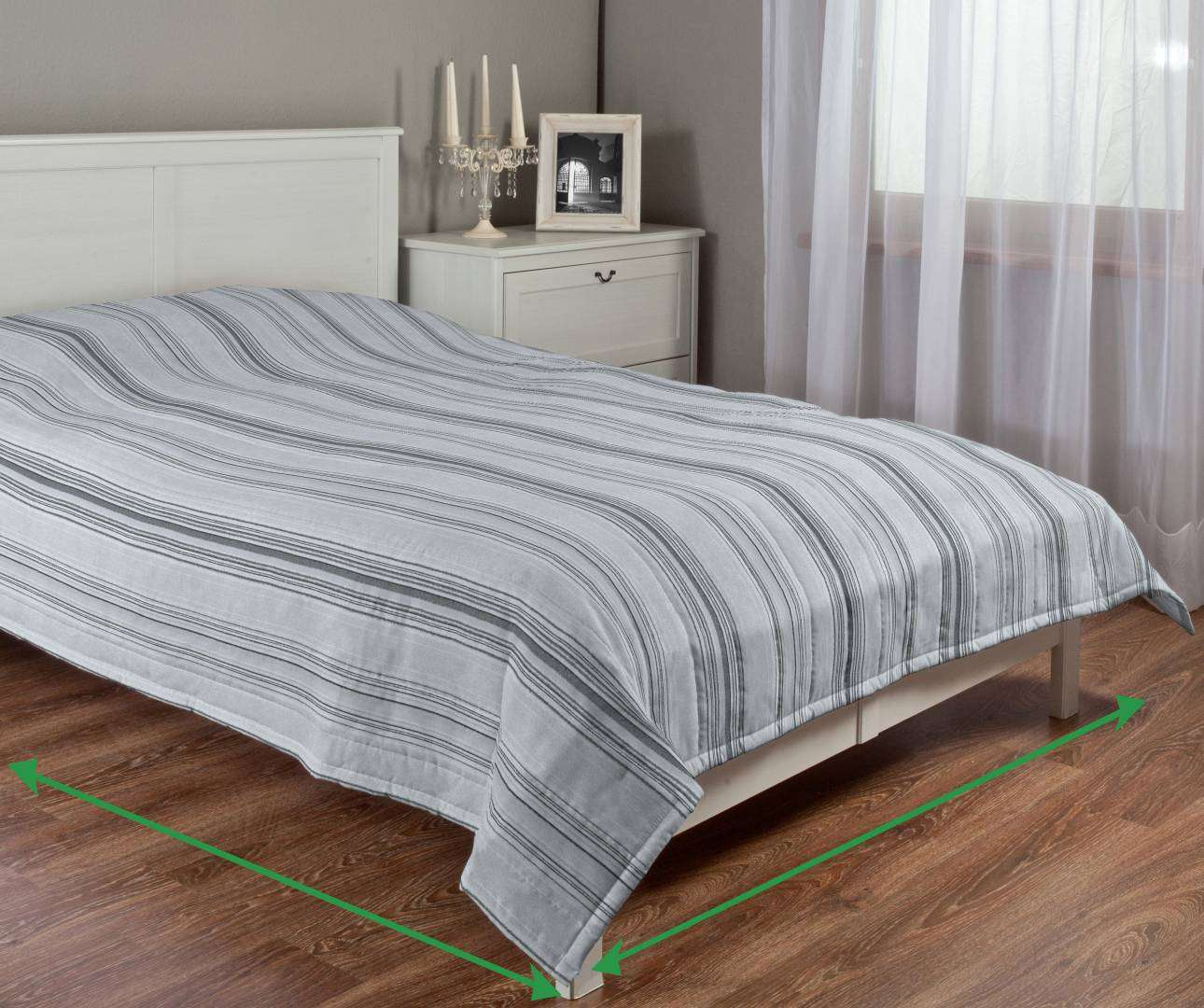 Quilted throw (vertical quilt pattern) in collection Rustica, fabric: 138-15