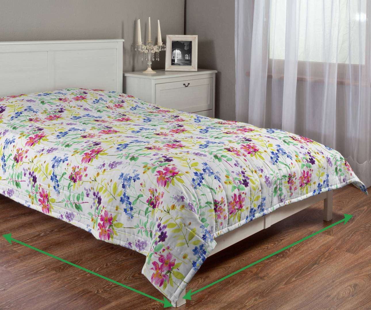 Quilted throw (vertical quilt pattern) in collection Monet, fabric: 140-06