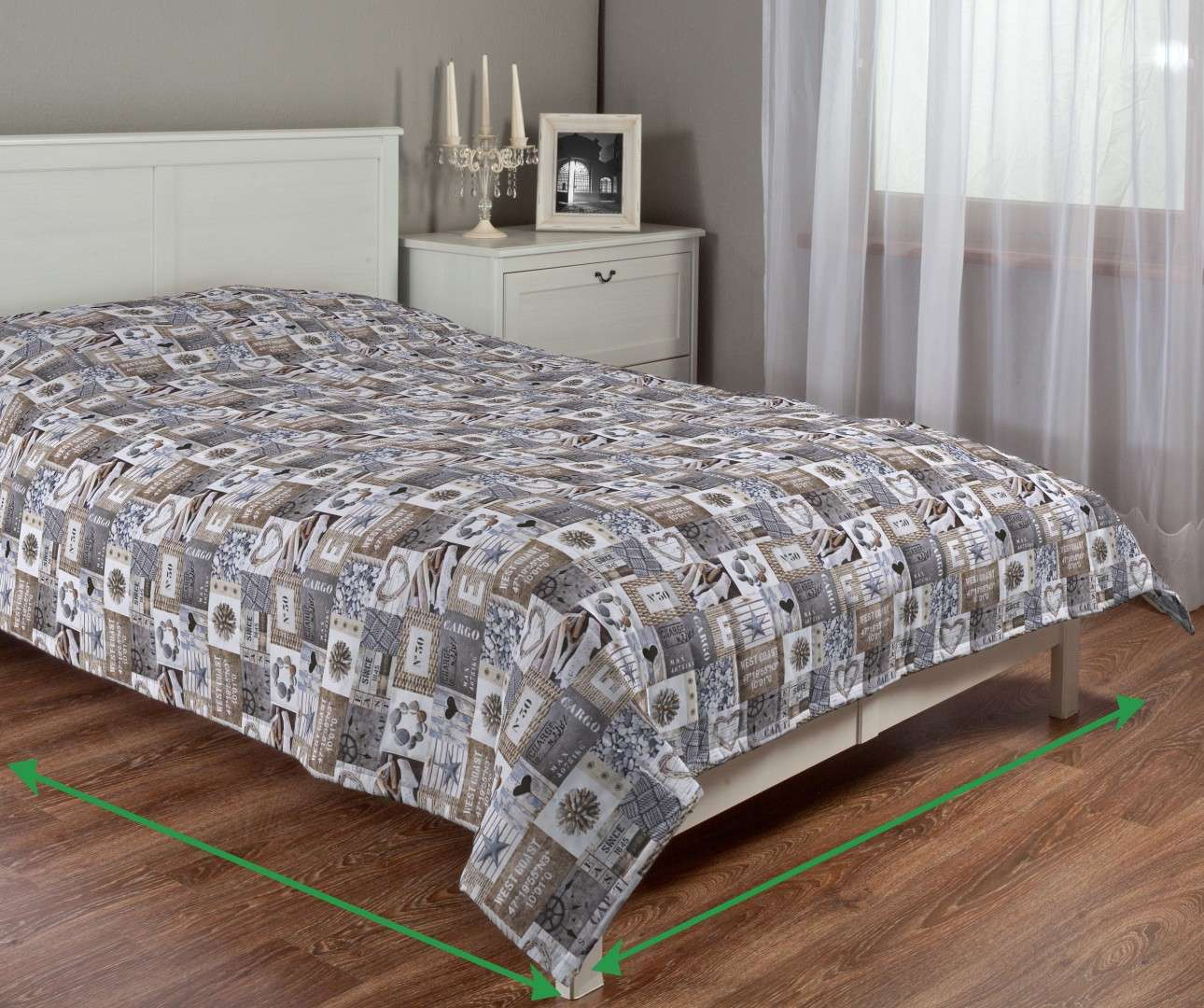 Quilted throw (vertical quilt pattern) in collection Marina, fabric: 140-15