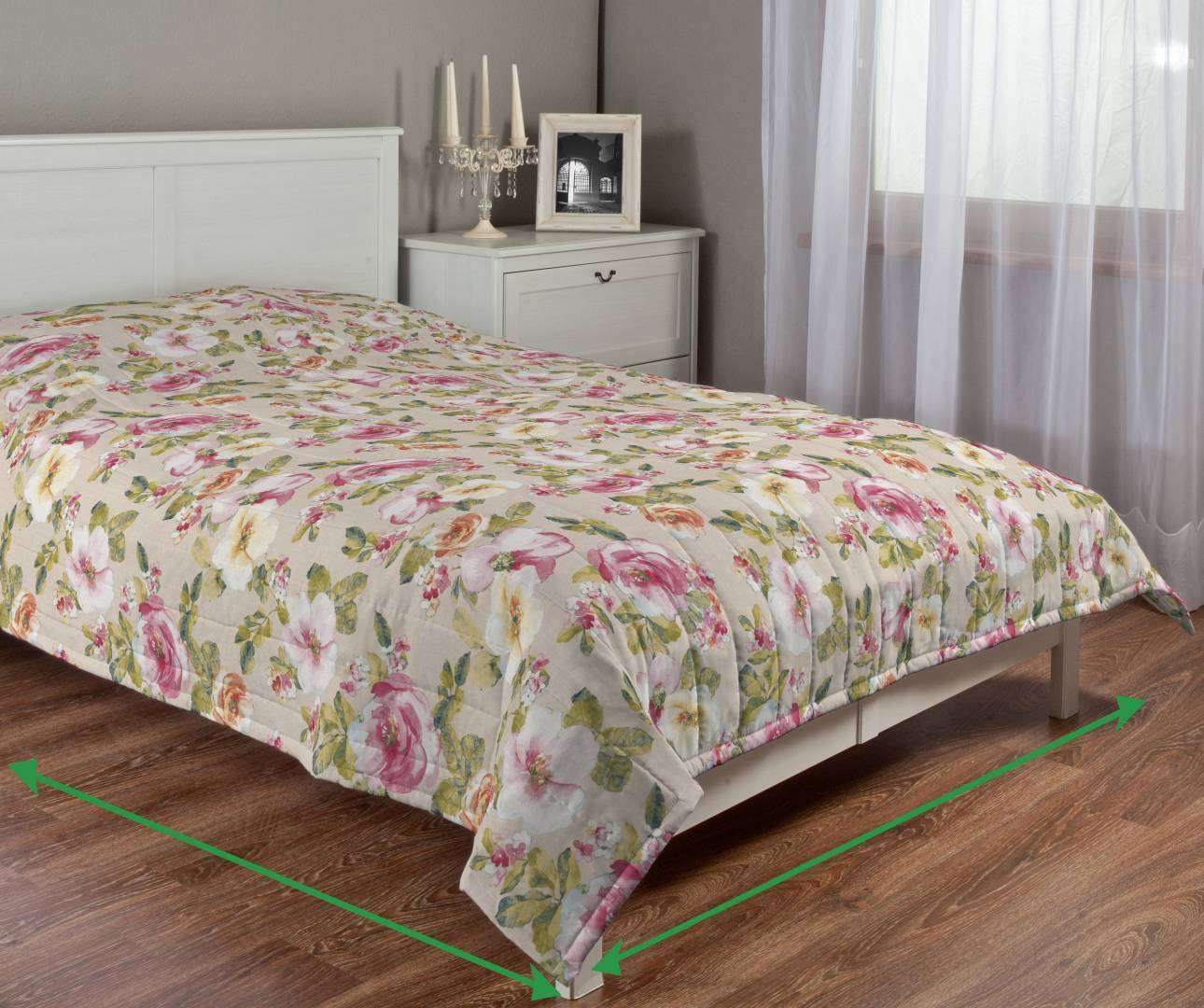 Quilted throw (vertical quilt pattern) in collection Londres, fabric: 140-43