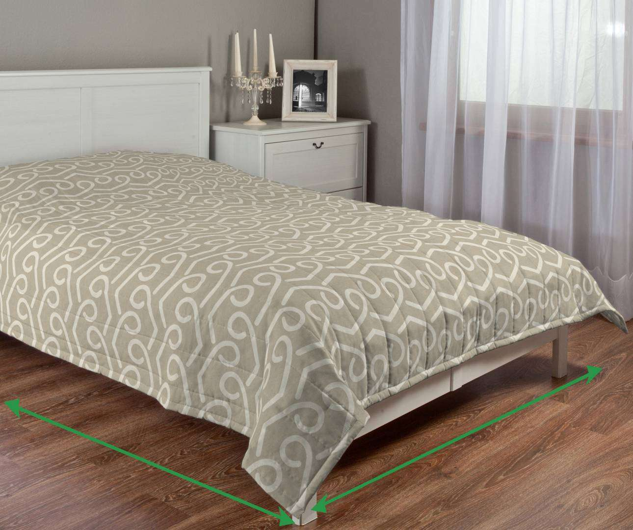 Quilted throw (vertical quilt pattern) in collection Rustica, fabric: 140-58