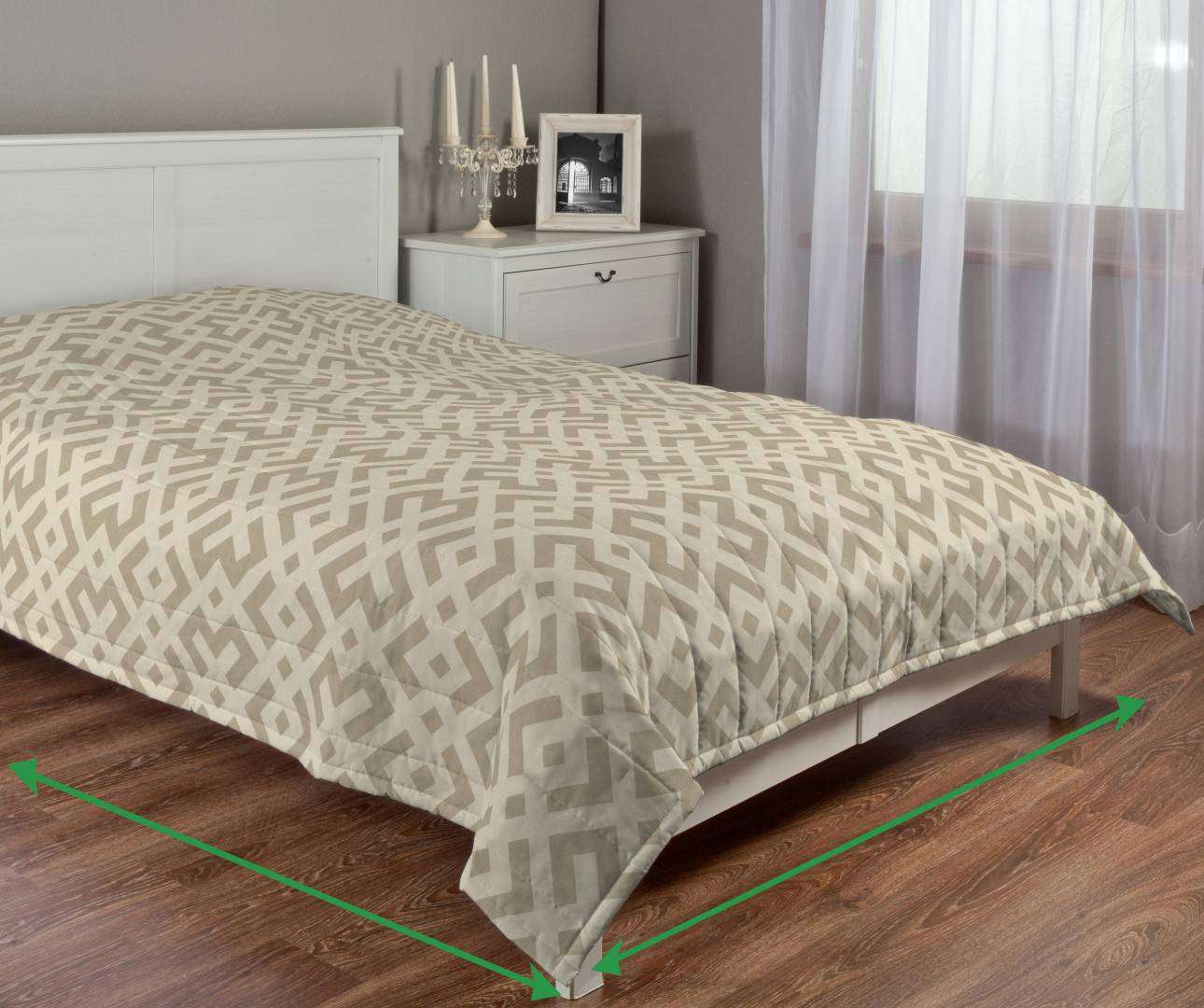 Quilted throw (vertical quilt pattern) in collection Rustica, fabric: 140-59