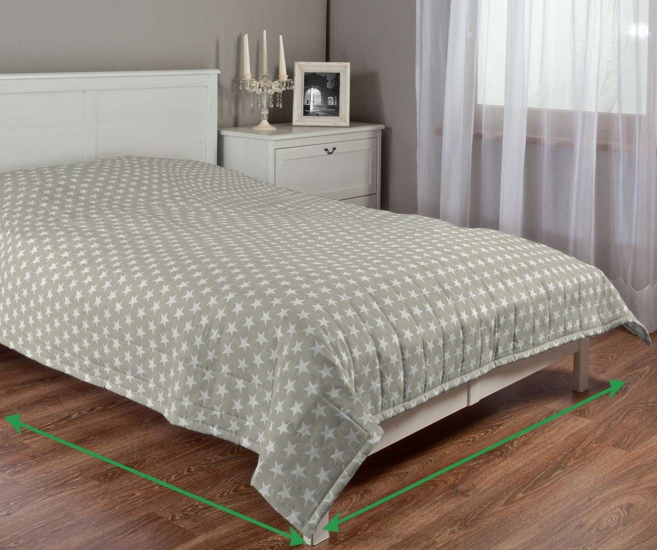 Quilted throw (vertical quilt pattern) in collection Marina, fabric: 140-62